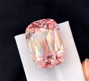 Loup Clean Pink Kunzite Gemstone, 65 Carat, Step