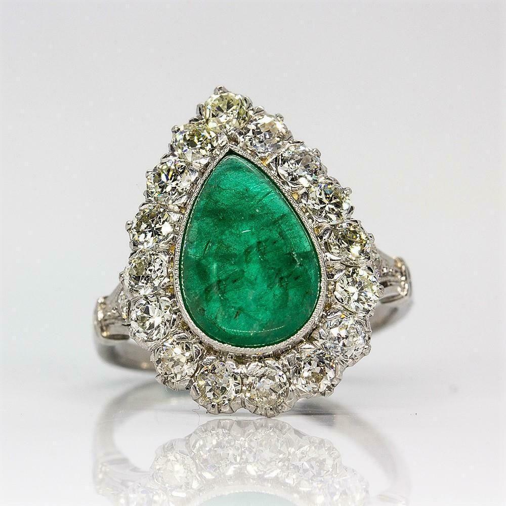 Platinum Handmade Emerald & Diamonds Halo Ring
