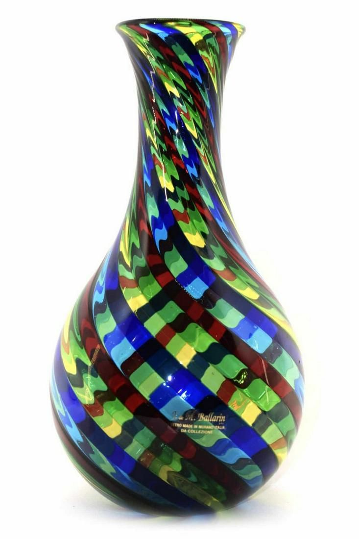 Murano glass vase filigrana signed