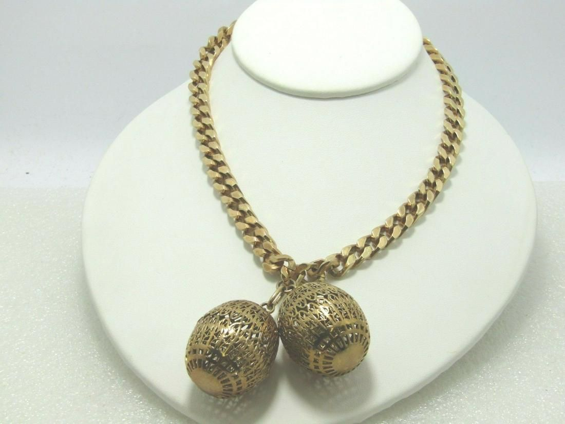 Vintage Trifari Heavy Curb Link Necklace with Filigree