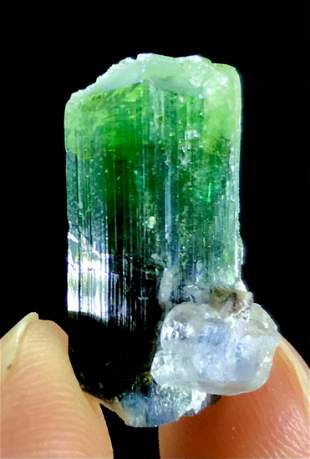 34 Carats Top Quality Terminated Rare And Spectacular