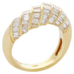 Step-Design Baguette Diamond Ring, 18 Karat Yellow Gold