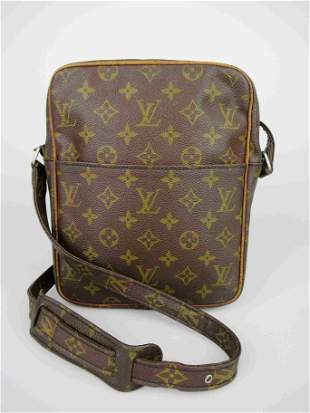 """LOUIS VUITTON"" ""Danube"" shoulder bag in brown coated"