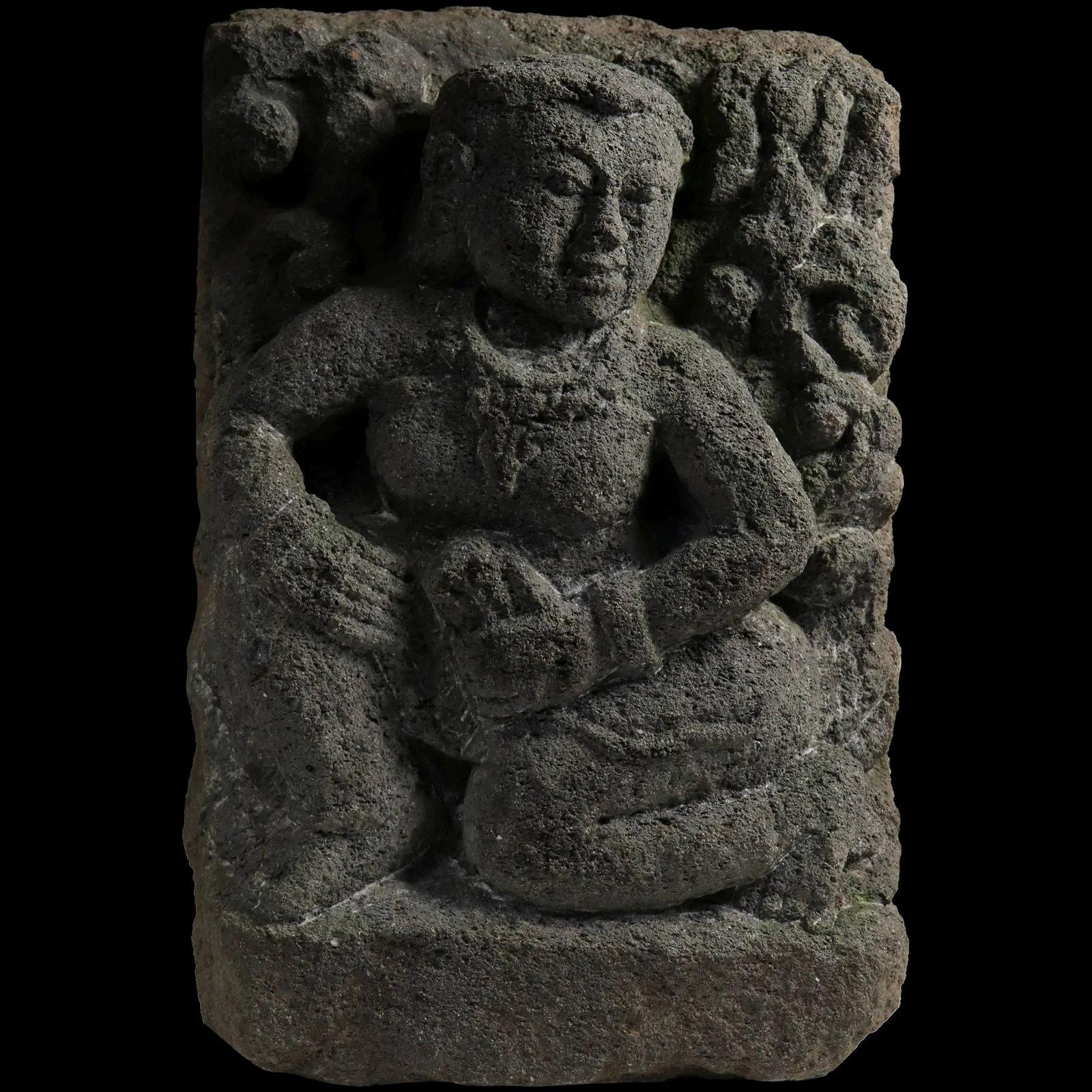 Huge Early Buddhist / Hinduist stone carving, 8th.