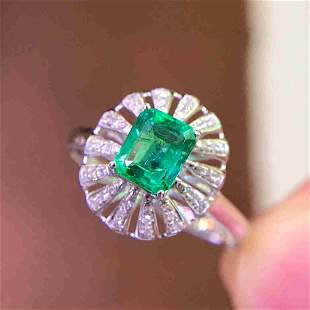 18K Yellow Gold 0.77ct Emerald & Diamond Ring