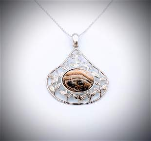Necklace w Peanut Wood Quartz in Leaf Designed Pendant