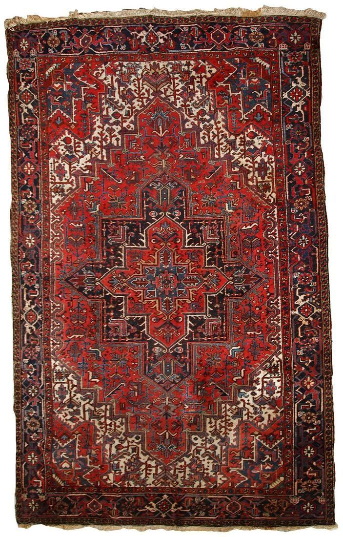 Handmade Vintage Persian Heriz rug 8.1