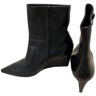 Gorgeous Balenciaga Black (one piece of) Leather Wedge