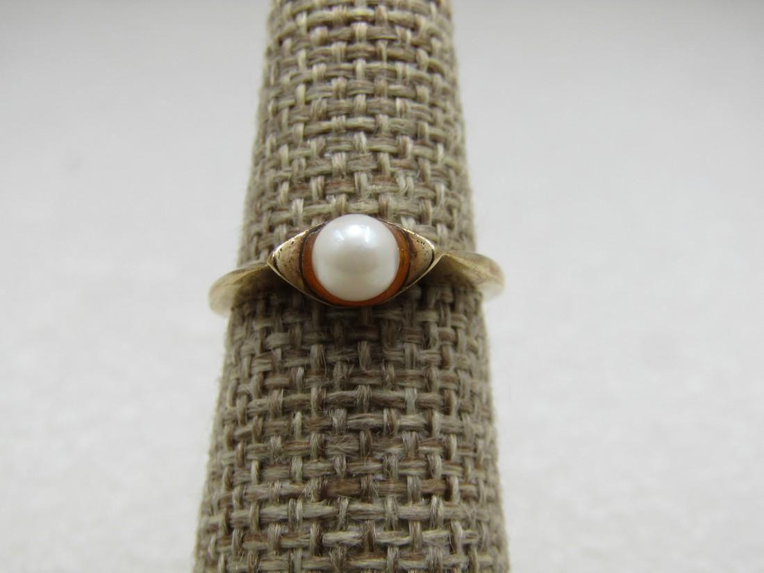 Vintage 10kt Pearl Ring, Size, 4.5mm, Signed T-V, 2.31