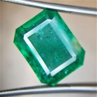 13.11 Ct Weight Emerald Shaped Green Color GIA