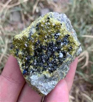 63 Gram Rare Natural Megnetite With Epidote &