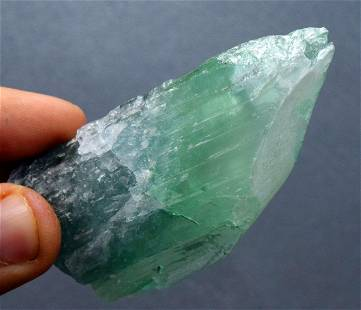 Natural Kunzite Crystal , Natural green Kunzite Crystal