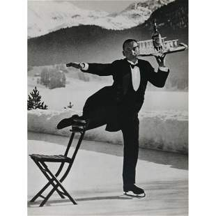 ALFRED EISENSTAEDT - The Skating Head Waiter at the