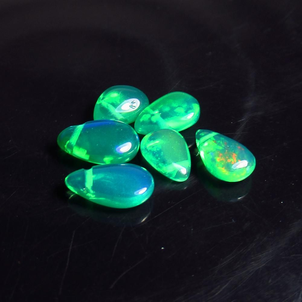3.17 Ct Natural 6 Drilled Green Fire Opal Beads