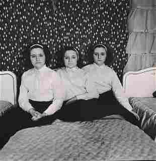 DIANE ARBUS - Triplets in their Bedroom, NJ, 1963