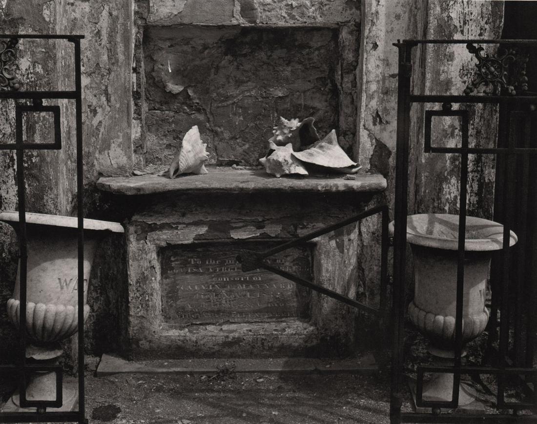 EDWARD WESTON - Giroud Cemetery, New Orleans, 1941