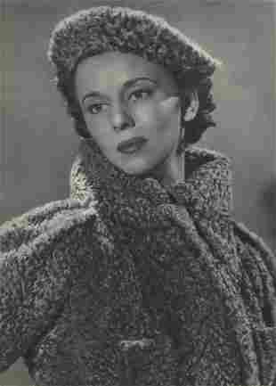 MAN RAY - Young Woman in Furs
