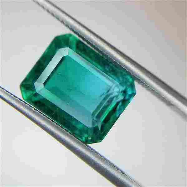 4.68 Ct Weight Emerald Shaped Green Color Non Certified
