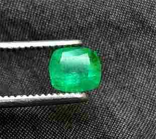 Emerald Oval - 1.50 Carats - 8X7X5 mm