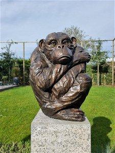 Lifelike bronze Chimpanzee Ape Bronze animals