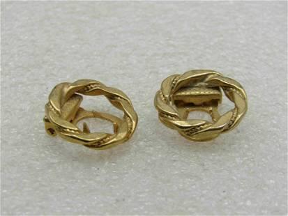 Vintage Pair of Lingerie Clips, Wreath Design,