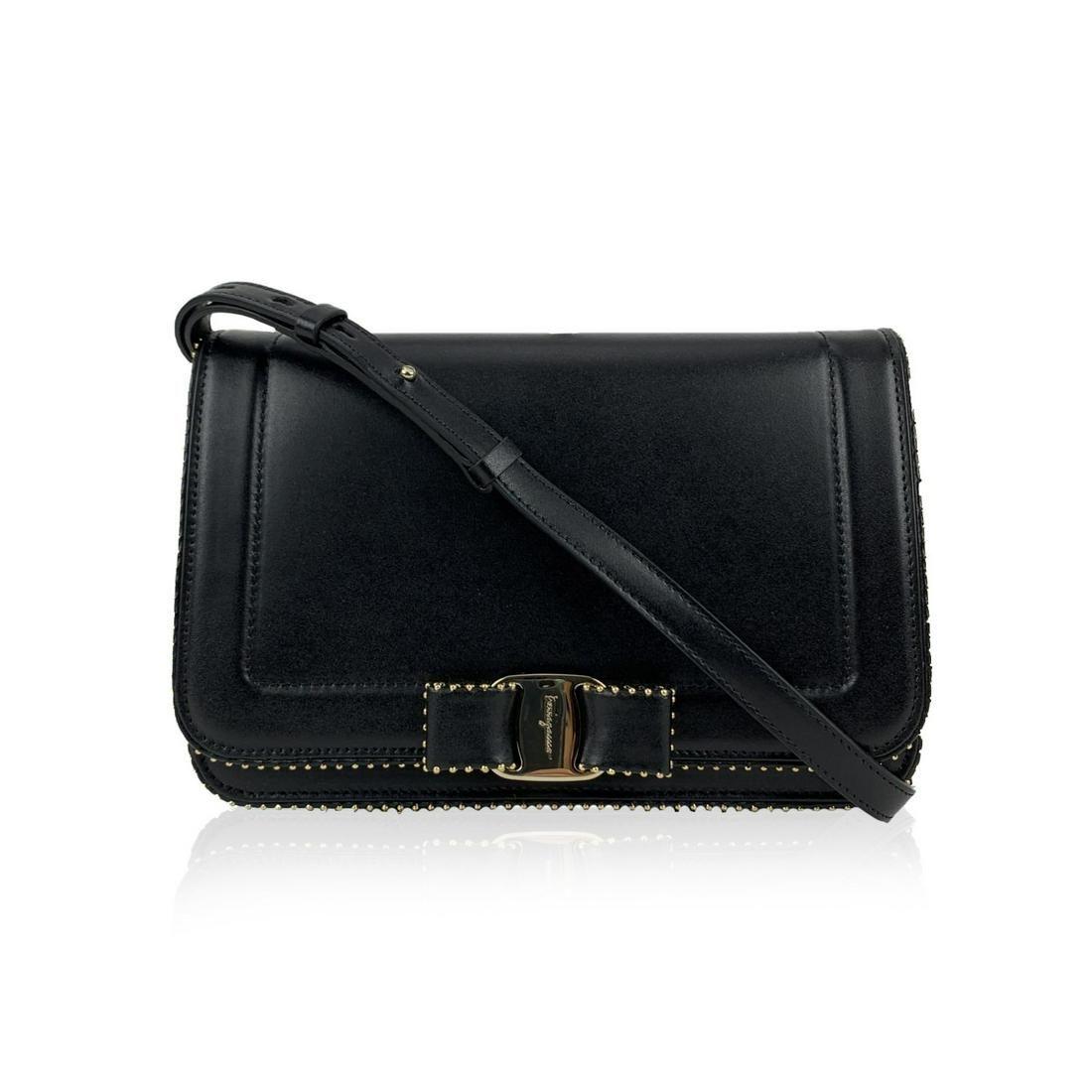 Salvatore Ferragamo Black Leather Vara RW Bow Flap Mint
