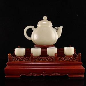 A Set Superb Chinese Hetian Jade Teapot & Cups