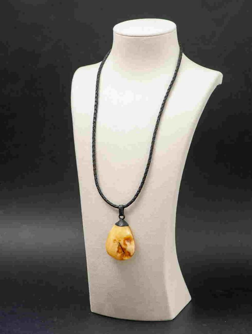 Baltic amber pendant & leather necklace