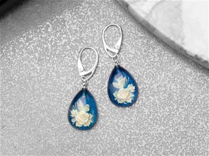 Blue amber ingtaglio earrings