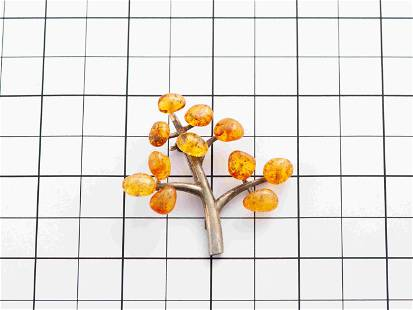 Pin made from Natural Baltic amber
