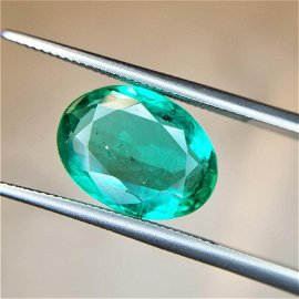 4.1 Ct Weight Oval Shaped Green Color IGITL Certified