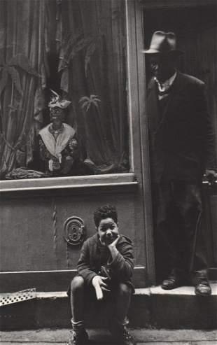 WILLY RONIS - Rue Xavier-Privas, Paris, 1957
