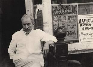 BEN SHAHN - New York City, 1935, barber
