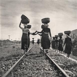 WERNER BISCHOF - Returning from the market, 1952