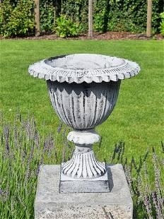 Cast iron planter - Classical cast iron garden vase -