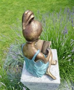 Bronze sculpture of a girl reading a book - Bronze