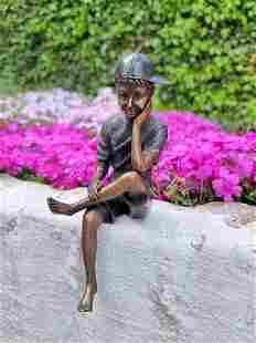 Boy with cap - Bronze figurine - Bronze ornaments