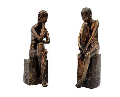 A couple of decorative bronze statues - Sitting females