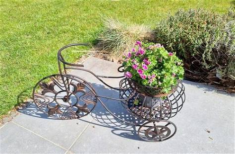 Bicycle shaped flower pot - Garden and patio decoration