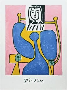 Femme Assist a la Robe Bleu