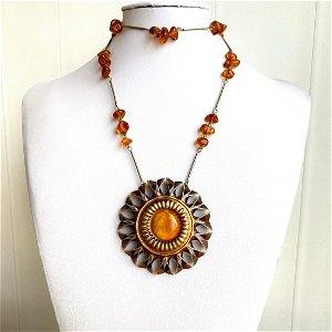 Stunning Amber Pendant shaped like a Flower