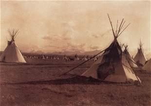 EDWARD CURTIS - Piegan Encampment, 1900