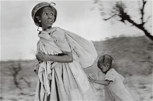 SEBASTIAO SALGADO - Women Try to Escape, Ethiopia