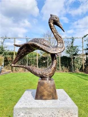 Bronze sculpture of a crane - Abstract bronze bird -