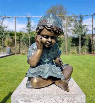 Bronze garden sculpture - Boy reading a book - Bronze