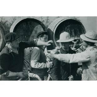 HENRI CARTIER-BRESSON - Vines being sprayed with