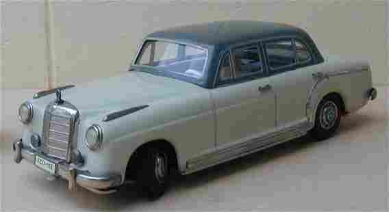 Tippco (made in Germany) Mercedes 220s, friction, c9.5