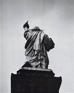 BERENICE ABBOTT - Statue of Liberty