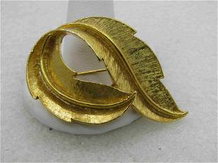 Vintage 1960's Gold Tone Gerry's Leaf Looped Brooch,