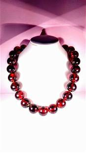 Cherry colour Baltic Amber - Necklace